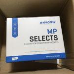 公式HPでも発表されていないマイプロテインの成分表を公開!サンプルボックスの中でたんぱく質含有量が多いのはどれ?